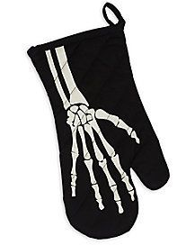 Bring some bones to your baking when you use this haunting Halloween mitt!