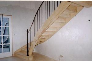 Escalier En Bois Frene Avec Rampe Fer Avec Images Escalier