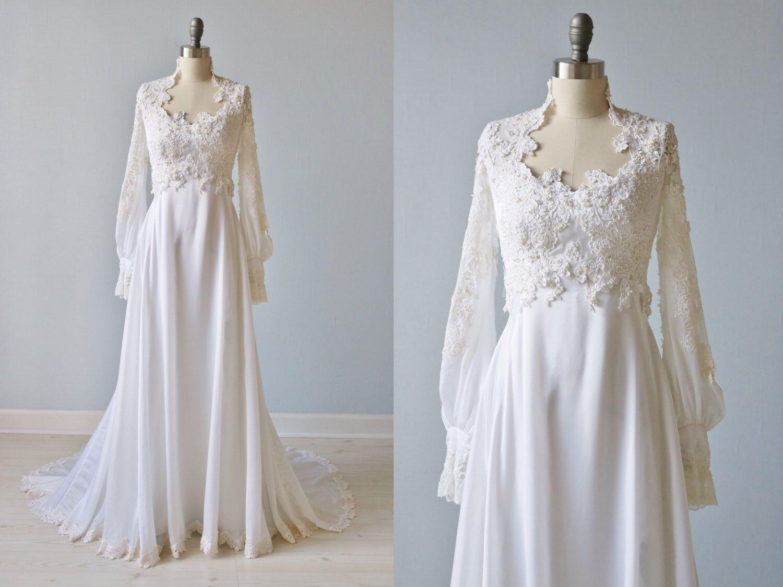 Vintage 1970s Long Sleeve Lace Wedding Dress / Vintage 70s