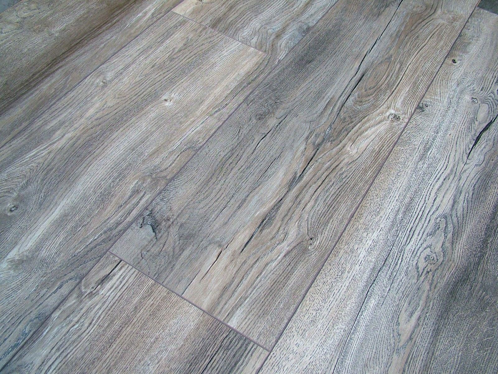 This Excellent Photo Is An Extremely Inspirational And Superb Idea Unfinishedhardwoodflooring Grey Laminate Flooring Flooring Gray Wood Laminate Flooring