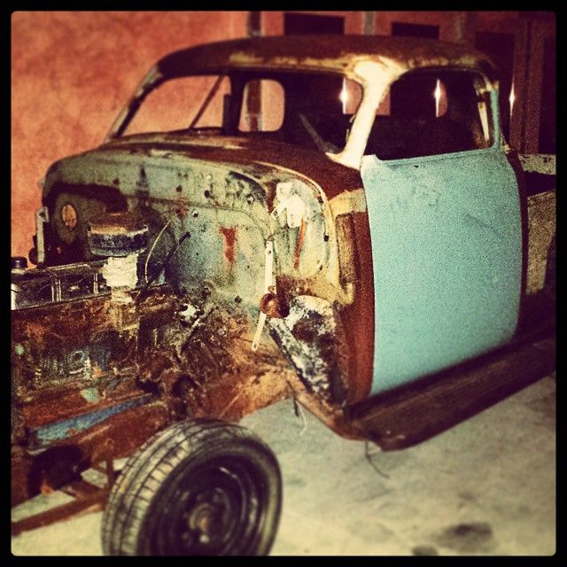 """#chevygarage #chevytrucks #chevrolet #classiccars #chevy #uscars #americancars  #choptop"""