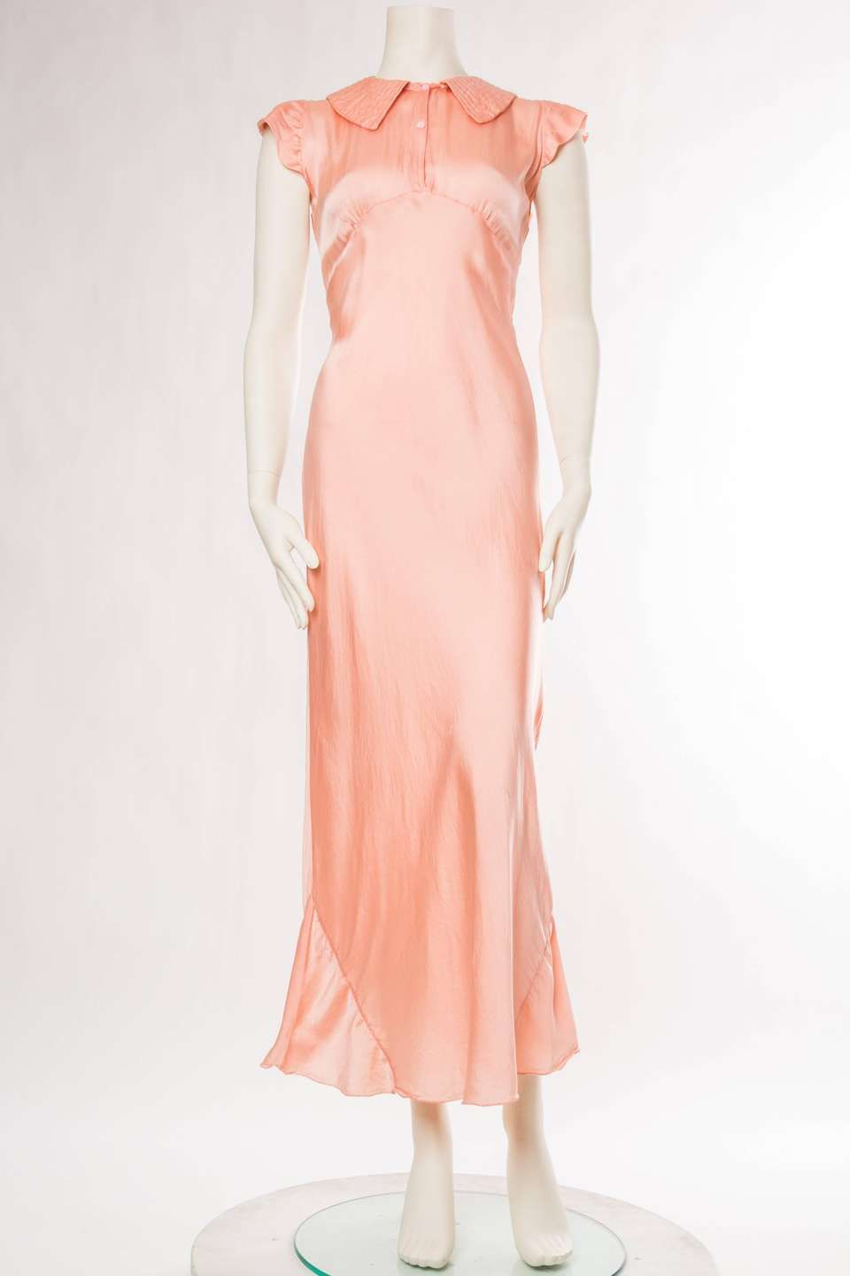 62f6594b8ef For Sale on 1stdibs - 1930s Silk Satin Negligee