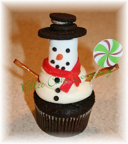 So many cupcake ideas starting with this little snowman. Wouldnu0027t he be a & So many cupcake ideas starting with this little snowman. Wouldnu0027t he ...