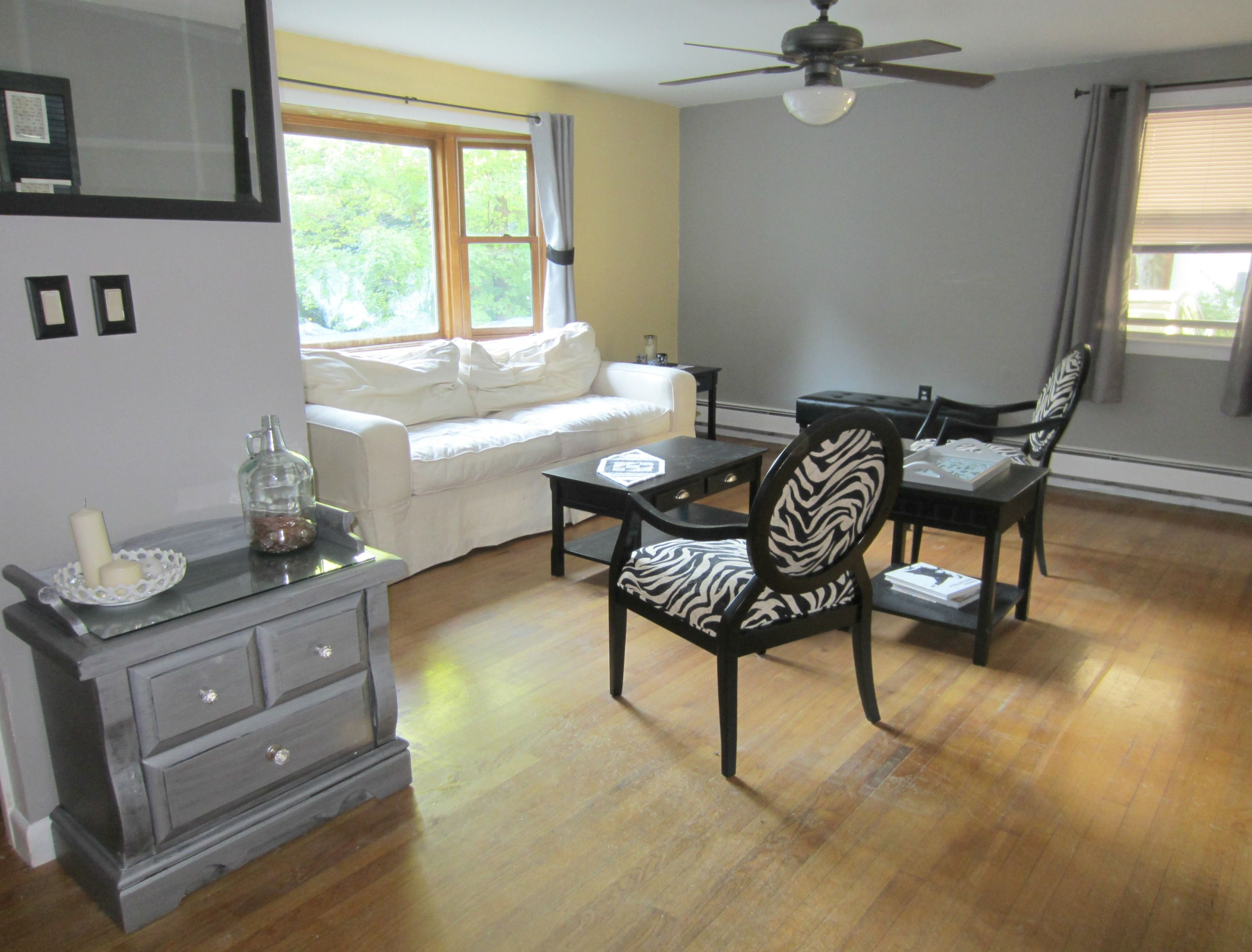 Best Grey Walls In Living Space Living Room Grey Accent Wall 400 x 300