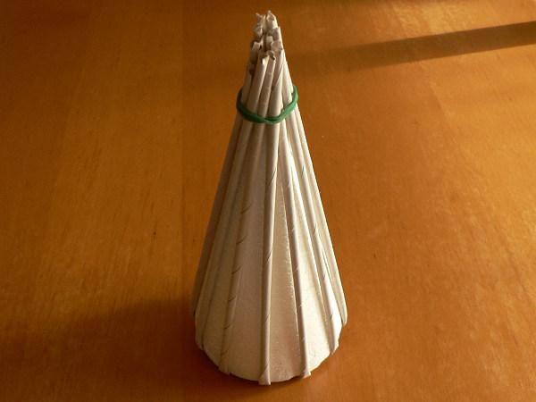 Fotopostup na papierové pletenie - pletený stromček I. 2391f127052