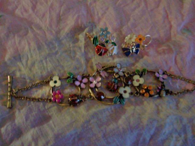 FLOWERS AND LADYBUGS BRAND NEW BRACELET AND EARRING SET. Starting at $5 on Tophatter.com!