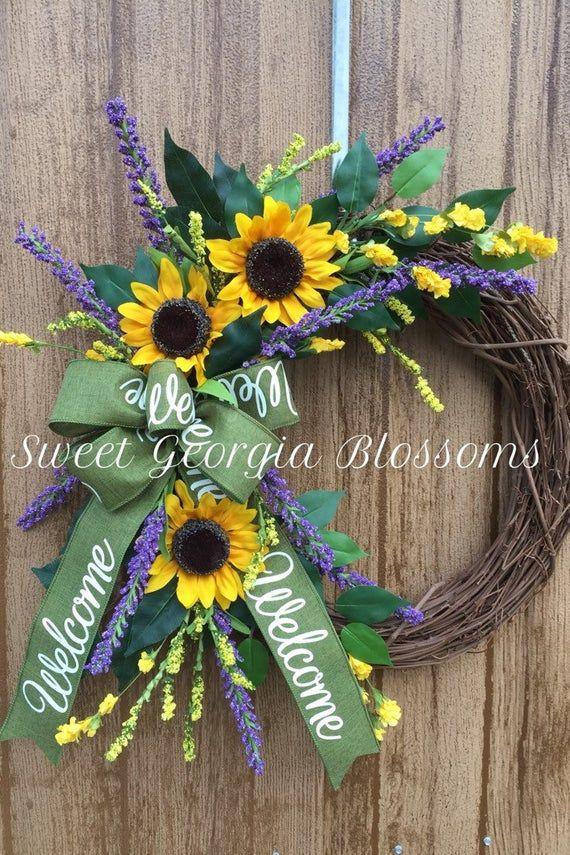 Photo of Sonnenblumenkranz, Sonnenblumen- und Lavendelkranz, Frühlings- oder Sommerkranz, Willkommenskranz, Willkommensband, Bauernkranz, Herbstkranz