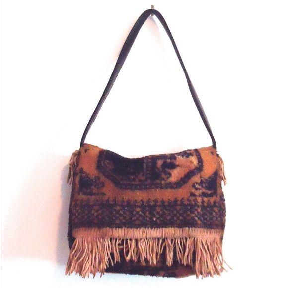 Vintage Carpet Bag Tapestry Handbag Purse Fringed Vintage 70s fringed tapestry  bag. The colors are 8b100552188e0
