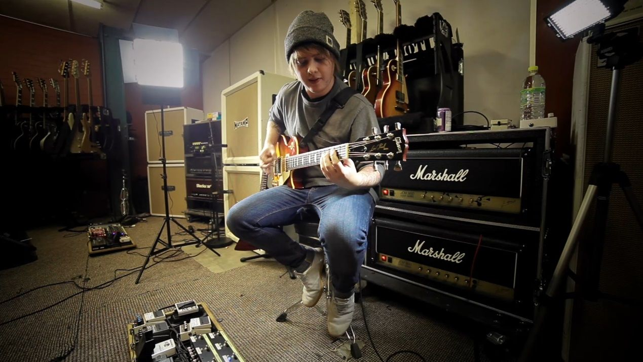Lee Malia, Bring Me the Horizon guitarist gives us a step by step lesson on how to play Antivist. Get yourself tuned down and turn up the gain. http://www.roland.co.uk/blog/bring-me-the-horizon-antivist-guitar-lesson