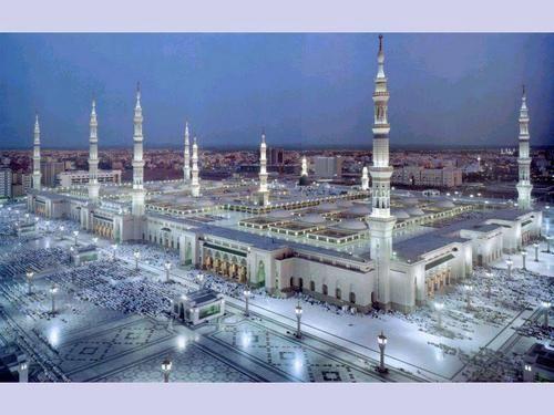 المسجد النبوي الشريف Beautiful Mosques Mosque Masjid