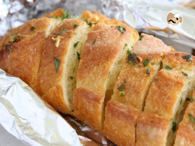 Receita Aperitivo : Pão d'alho e salsa de PetitChef_PT