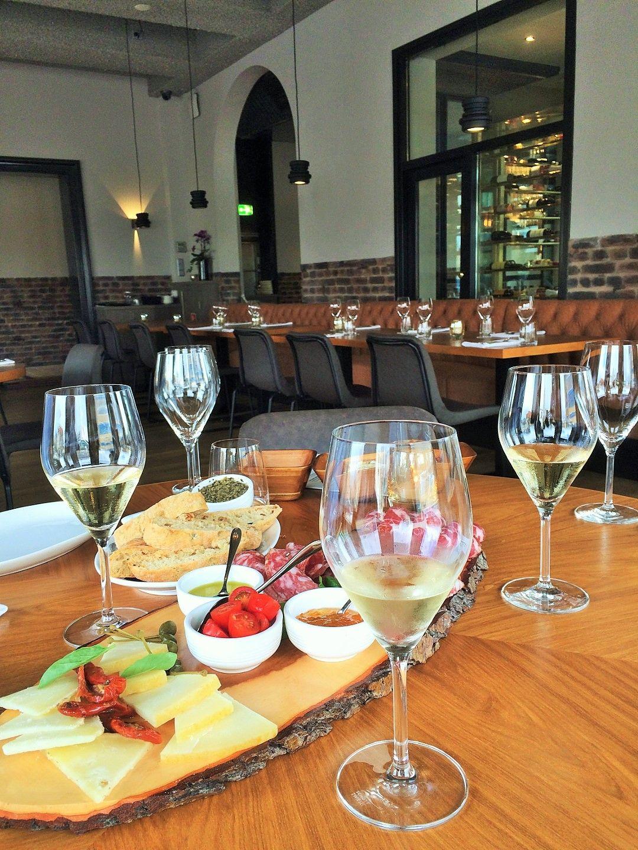 Opporto Een Nieuwe Aanwinst Voor Scheveningen Eten Hapjes Wine
