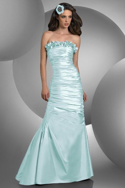 The Bari Jay Bridesmaid 420 dress is perfectly lovely for your bridal party. This strapless dress with a chic mermaid silhouette showcases gorgeous starlet taffeta. A feminine and romantic floral petal detailing across the front and back adds flair, while the shirred bodice through the skirt is flattering for any figure. http://www.trendycollection.com/bari-jay-bridesmaid-item-4720&category_id=0&brands=4&click=brands