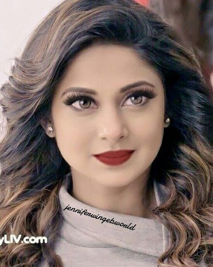 Missed Editing Pictures Like This I Know She Doesn T Need Make Up But I Couldn T Resist To Edit This Be Jennifer Winget Jennifer Winget Beyhadh Queen Jenny