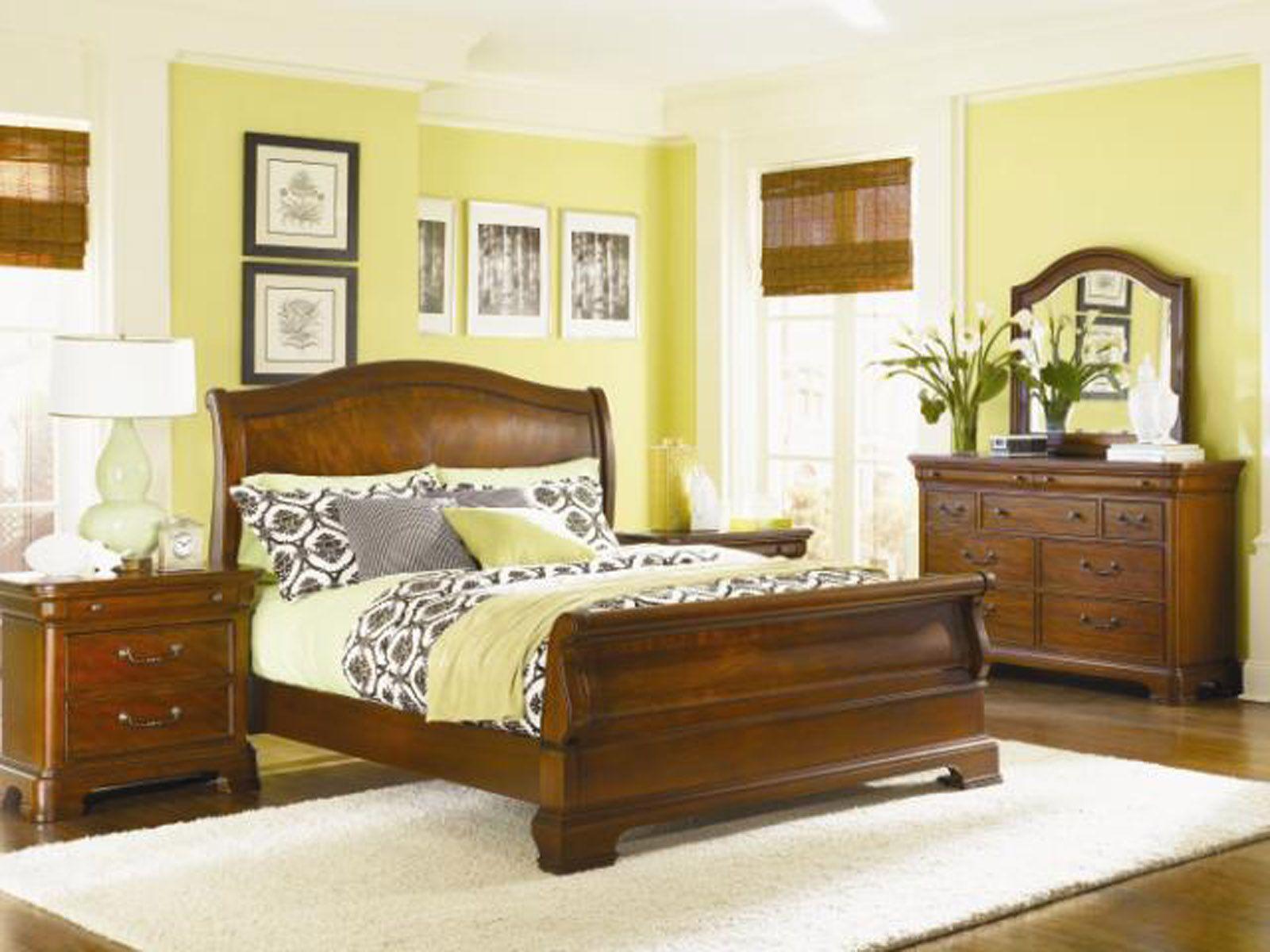 Legacy Classic Evolution Sleigh Bedroom Set Code Univ10 For