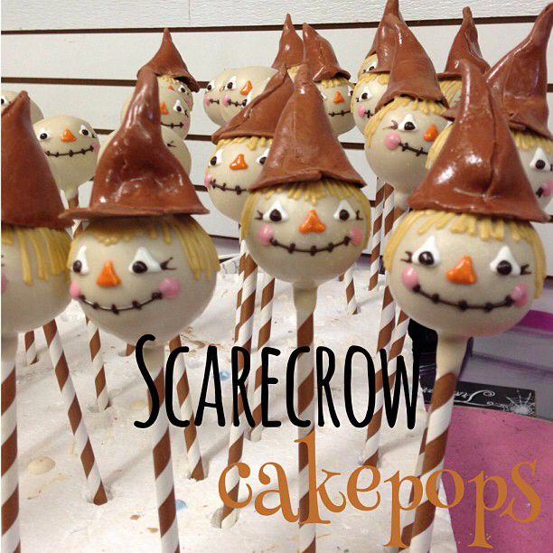 Scarecrow cake pops for a Thanksgiving dessert or kids table.