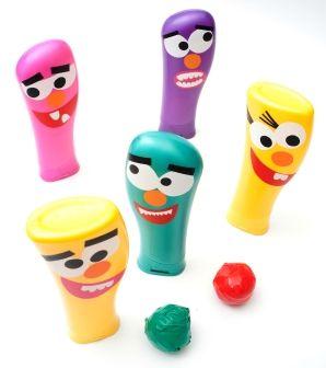 Brinquedo reciclado - boliche com vidros de Shampoo - Dicas pra Mamãe