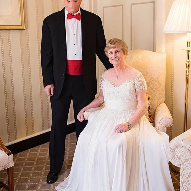 Last Week On Their 50th Wedding Anniversary The Brockman S Renewed Their Vows The Couple Didn T Have Wedding Photos Kleinfeld Bridal Vow Renewal Dress Bride