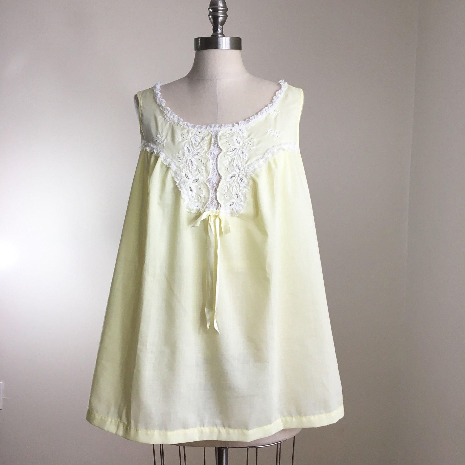 9b0acde1fa 70s Pastel Yellow Eyelet Lace Cotton A-line Babydoll Nightie