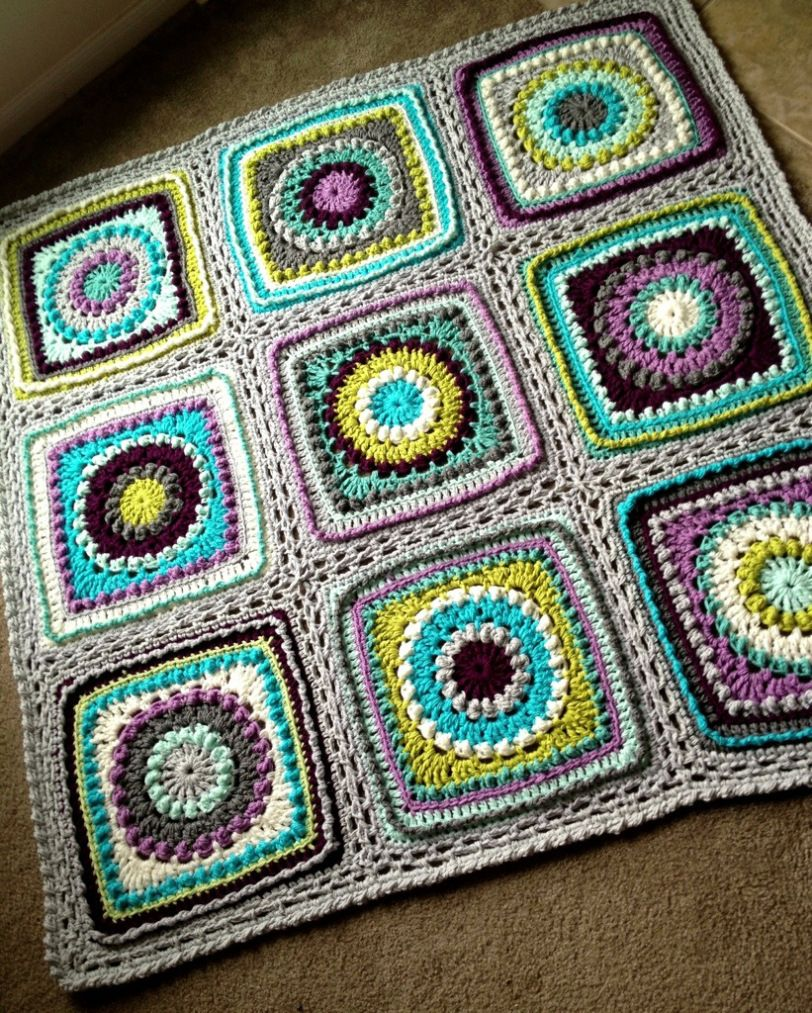 Textured circles blanket tutorial by BabyLove Brand. Detailed ...