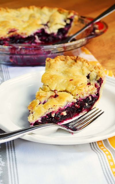 A Beautiful Mess: Blueberry Pie