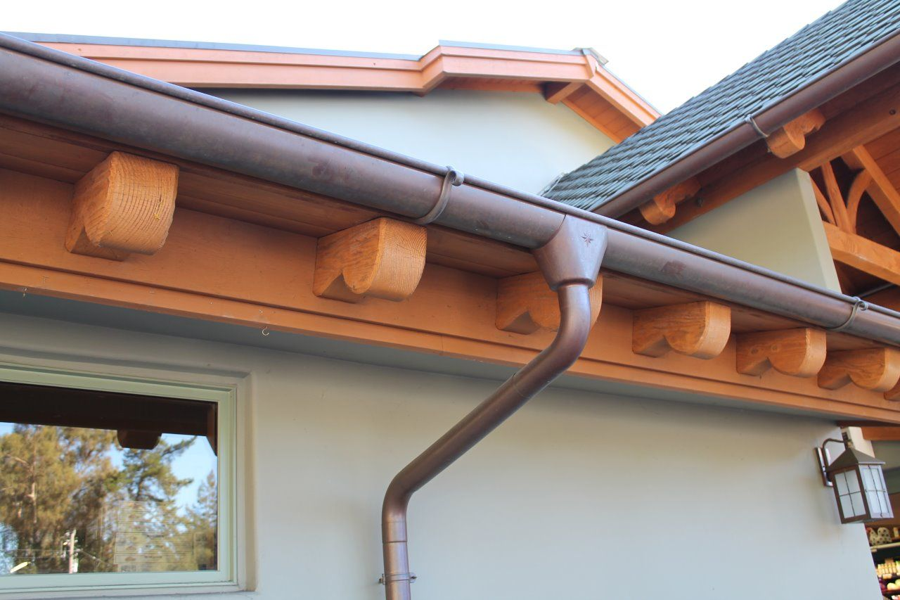 Half Round Copper Gutter W Star Outlet Amp Cast Brass Hanger