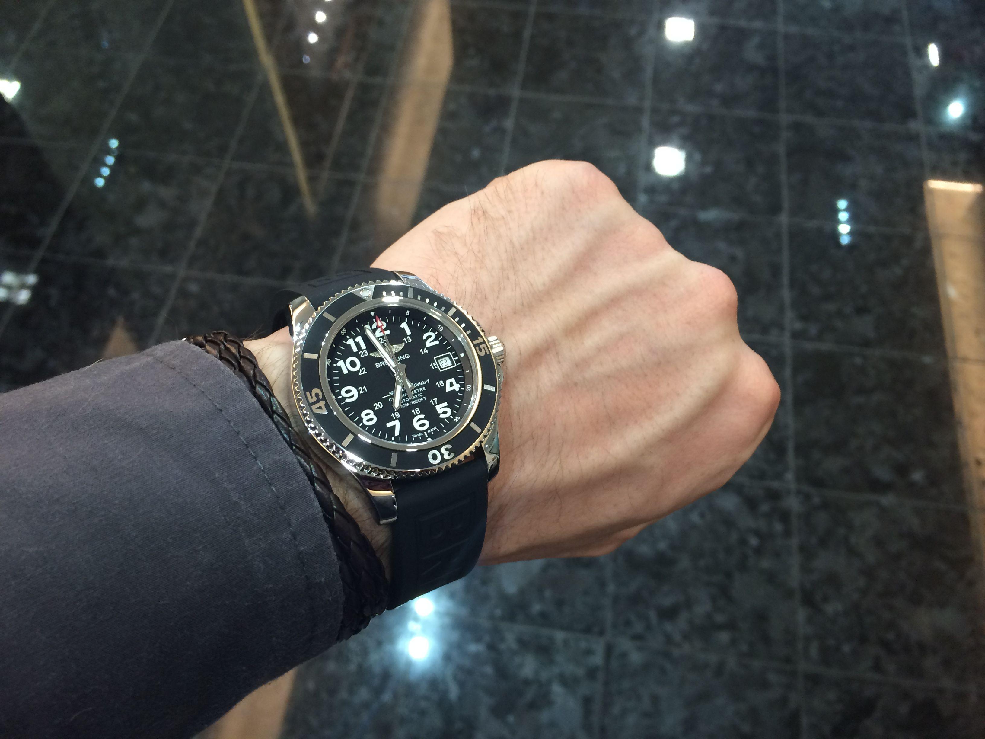 Pin od použvateľa Watch on wrist na nástenke Breitling Superocean
