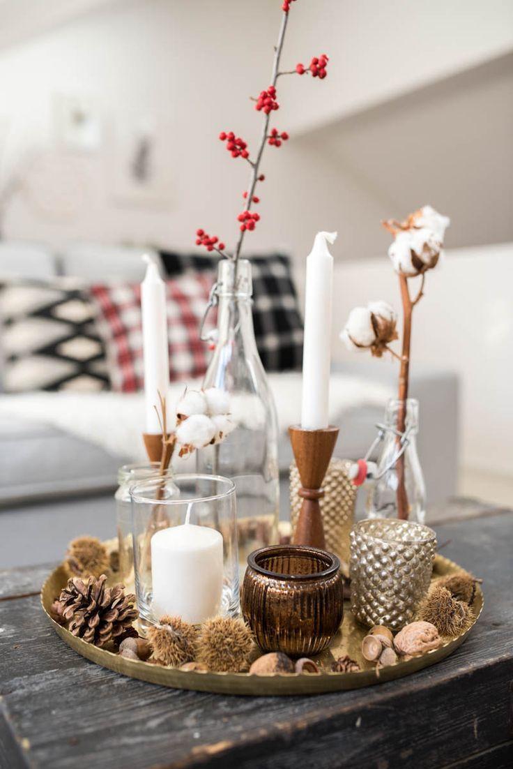 Winterwohnzimmer #herbstdekotisch Dekoideen für das Wohnzimmer im Winter und Weihnachtsdeko mit Karo und Ikatmuster im vintage Look. #Herbst #christmasdecorideasforlivingroom