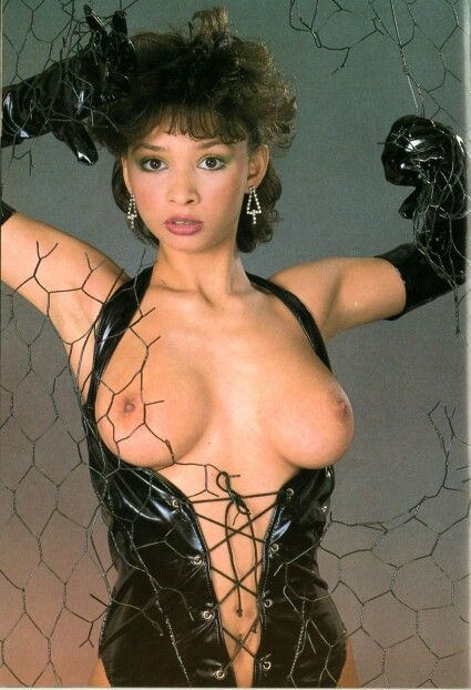 nude Mel appleby