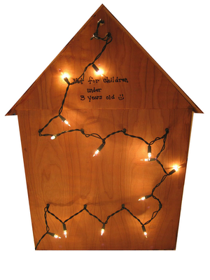 Delightful Use Christmas Lights In The Back Of A Dollhouse With Holes For The Lights.  Nice Way To Light A Dollhouse