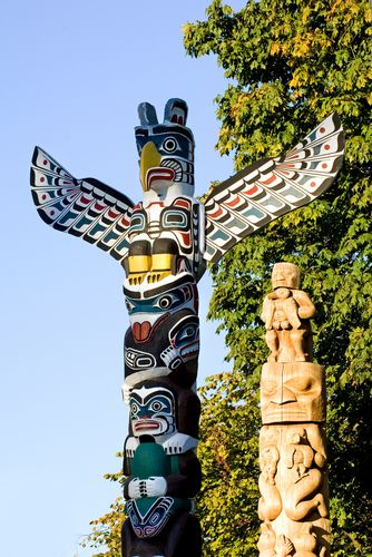 stanley-park-totem-poles-vancouver 🔴🔸🔴🔹INUIT  ART / ALASKAN NATIVE PEOPLES ' ART / NORTHWESTERN ART / NATIVE CANADIANS' ART : More At FOSTERGINGER @ Pinterest 👺🔹🔻🐋🐟🐾