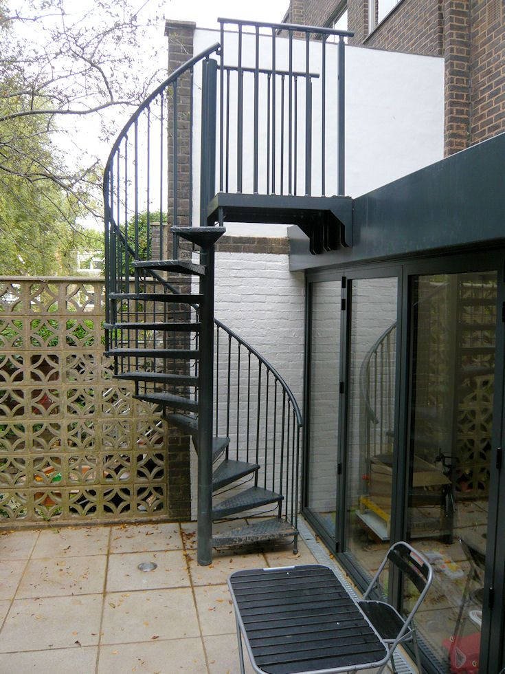 Best Galvanised Powder Coated Garden Access Spiral Staircase 640 x 480