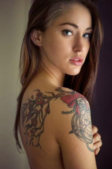 Flores com relogio e arco combinacao tatuagem desenhos ...