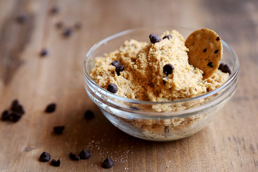 Chocolate Chip Cookie Dough Dip #raw (if you use homemade raw chocolate chips mmmm) #vegan