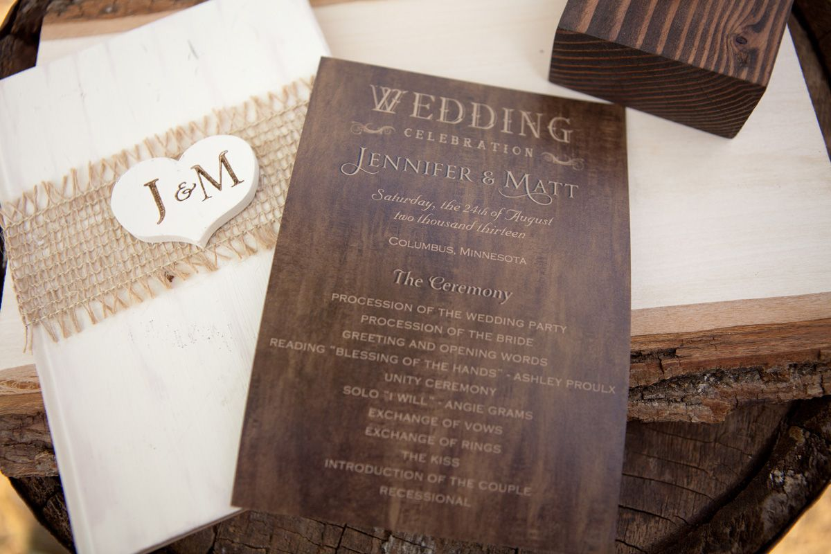 Invitations that go perfectly with the country wedding