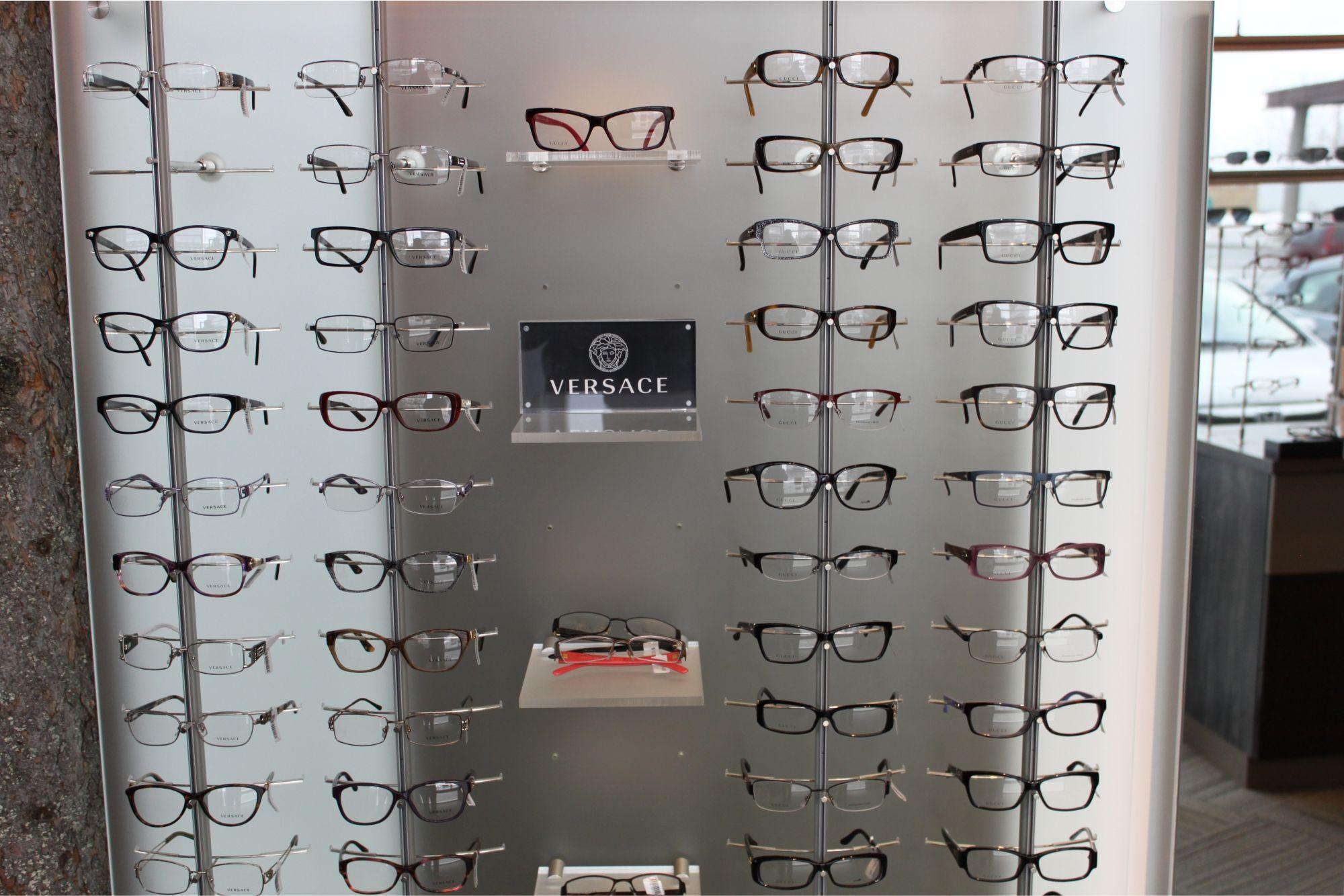 Pin On Optical Shop Design Showroom showcase eye candy