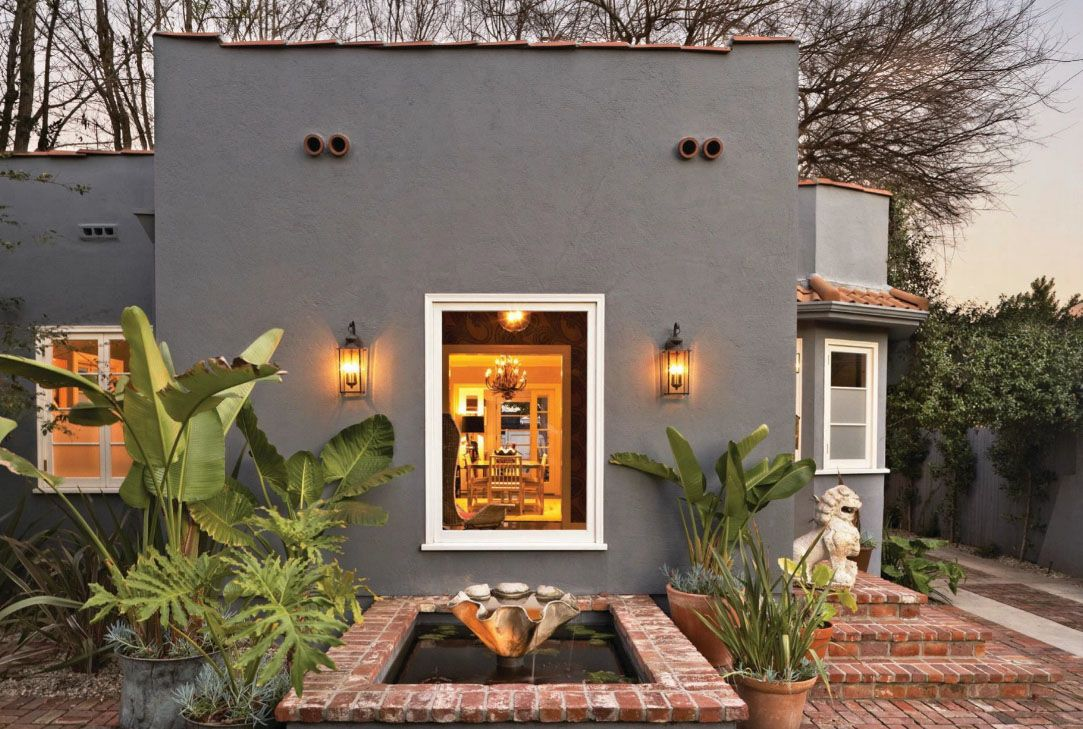 Old california interior design style idesignarch for Spanish bungalow exterior paint colors