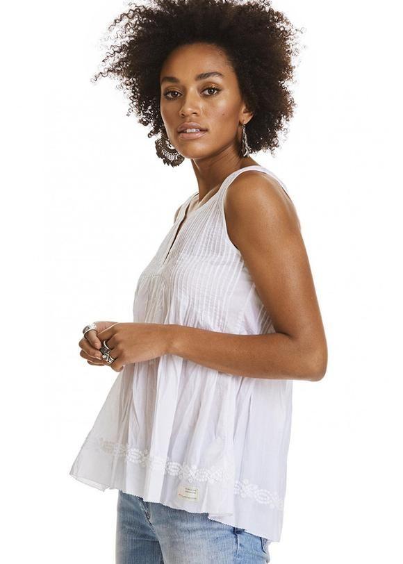 Odd Molly hvid bluse 317M-417 Fin-tastic Sleeveless Blouse - bright white