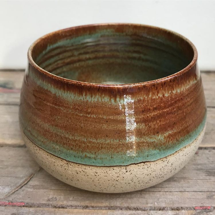 Amaco potter's choice art deco green over albany slip brown. #pottery #potery #potterylife #potterylove #pottersofinstagram #instapottery…