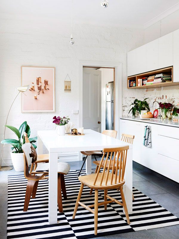 Melbourne home of Marni Kornhauser – Der Oberschrank mit offenem Fach ist nett.