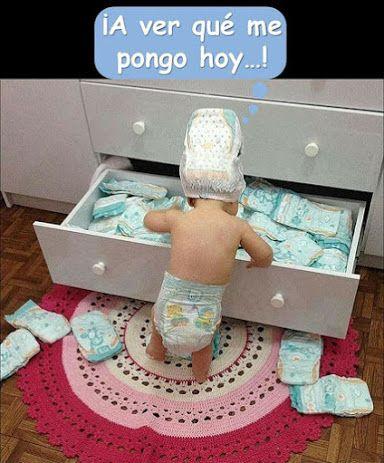A Ver Que Me Pongo Hoy Imagen Graciosa De Hoy Nº 87970 Fotografía Infantil Para Niño Imagenes De Bebes Graciosos Fotos Lindas De Bebés