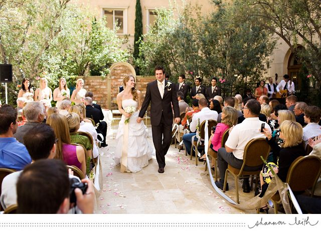 Courtyard Wedding At Ayres Hotel Manhattan Beach