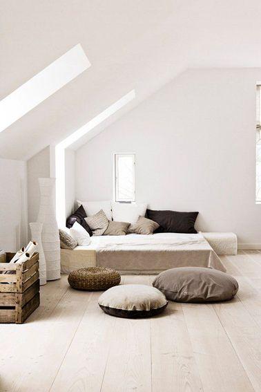 Pour une déco de chambre zen associer couleur lin, taupe et chocolat, limiter le nombre de meubles au profit de coussins de sol et matières ...