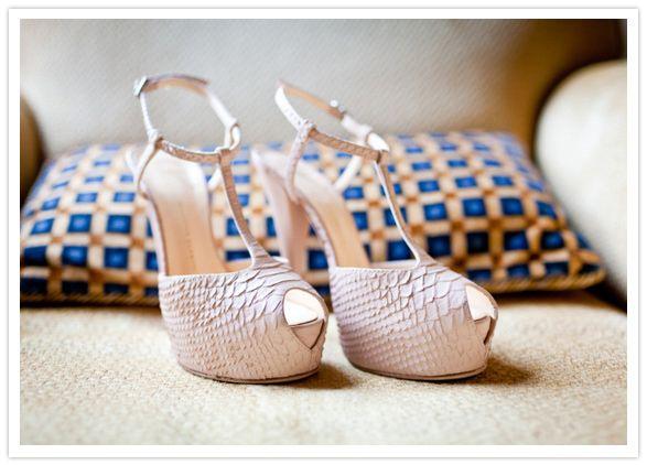 pink snake skin stilettos, these are fabulous!