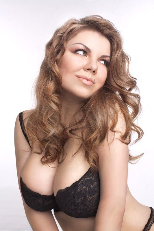 8ad351aede Russian plus size model Valeria Lobanova