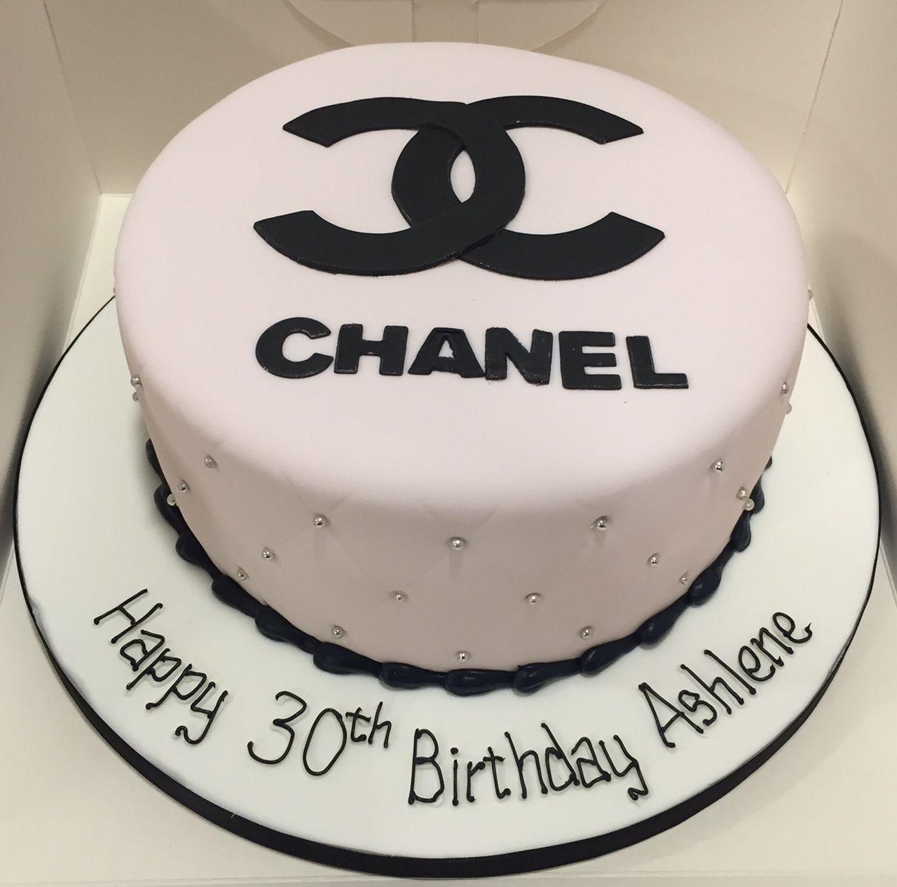 Chanel Logo Cake In 2019 Chanel Birthday Cake Chanel