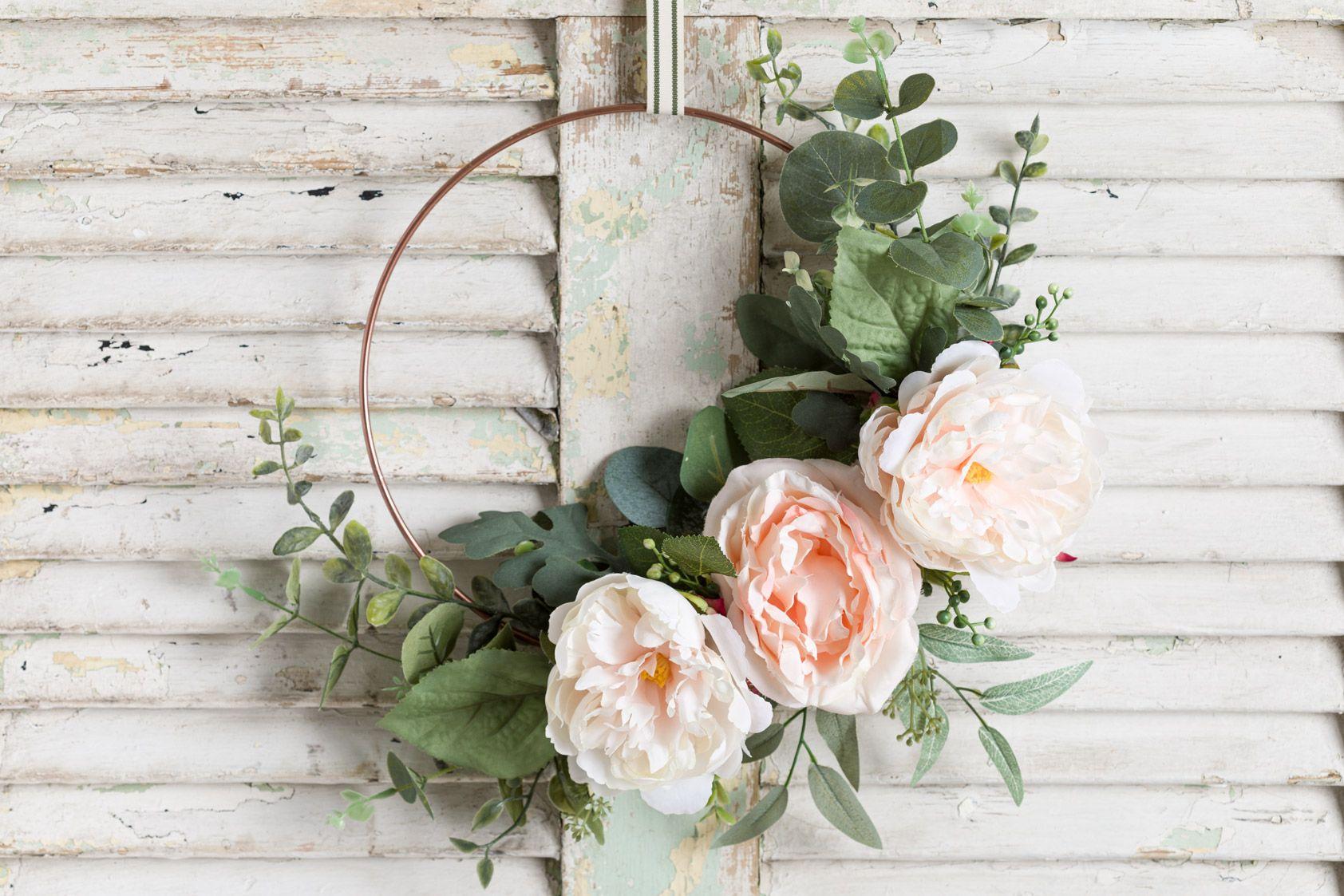 Photo of Easy spring hoop wreath DIY, Peonies and eucalyptus