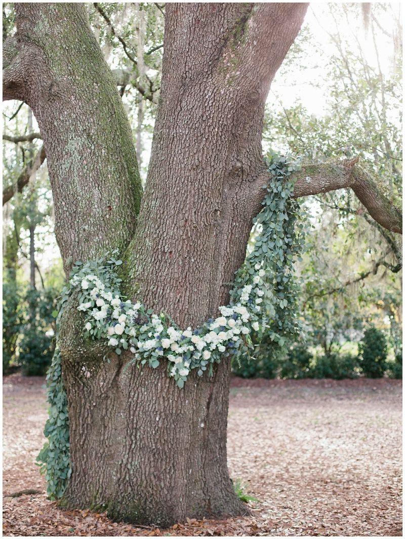 Outdoor wedding ceremony. Ceremony decor ideas. St