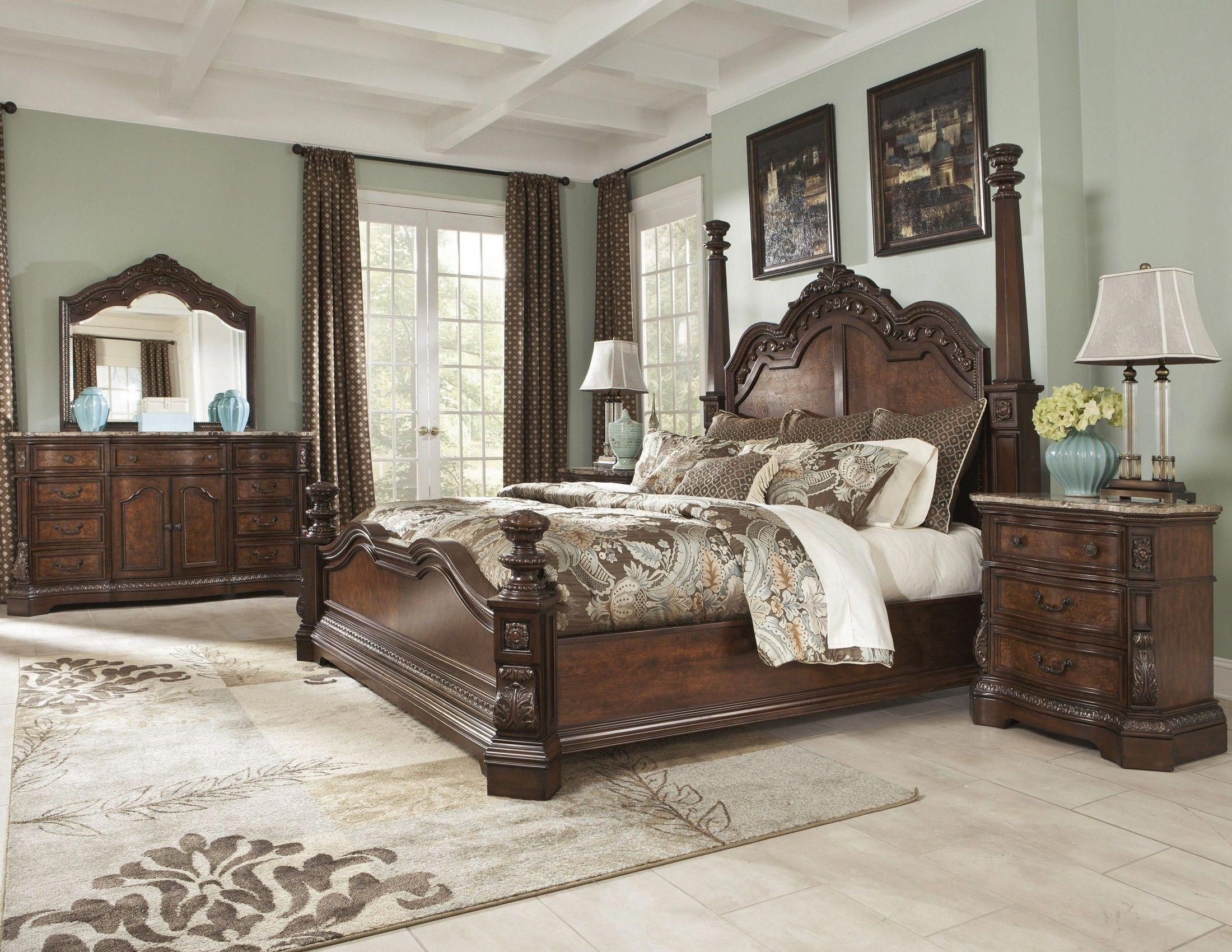 This Dark Cherry Stained Finish Ledelle Poster Bedroom Set Includes The 4 Poster Bed And A 3 D King Bedroom Sets Bedroom Sets Master Bedroom Interior