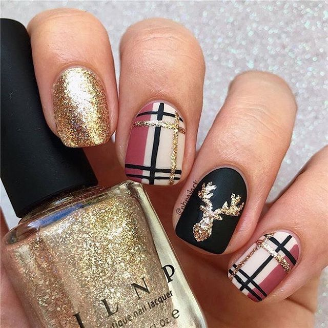 54 Festive Christmas Nail Art Ideas - Hair and Beauty eye makeup Ideas To Try - Nail Art Design Ideas #autumnnails